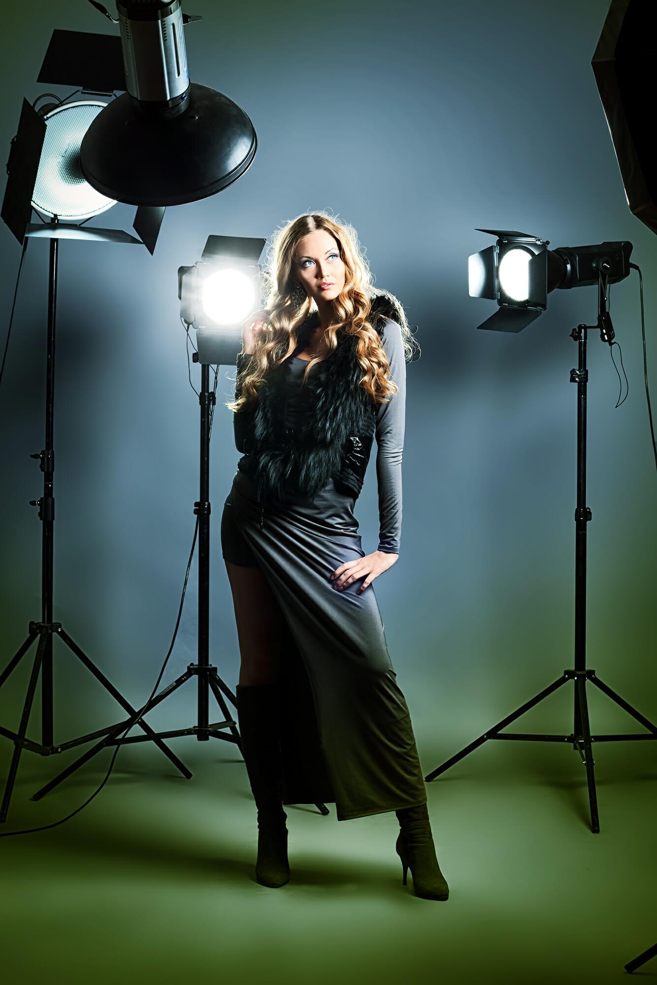 portrait photography tips lady dress studio
