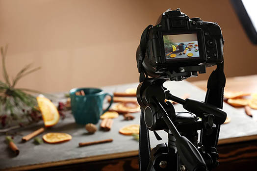 food photography camera meal professional lcd screen point of view rainy day photo project idea