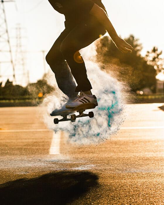 paint powder on a skateboard