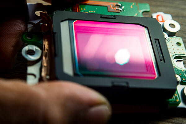 what camera is best iphotography CCD CMOS sensor