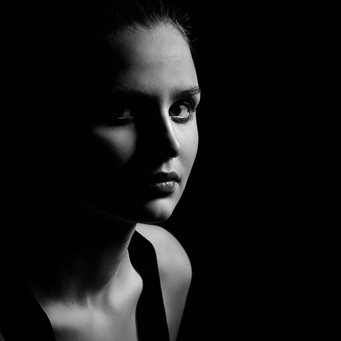 One Light Photography Tutorial Rembrandt